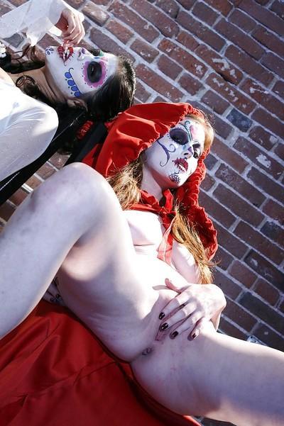 Ravishing cosplay girl have some mutual pussy masturbating and kissing fun