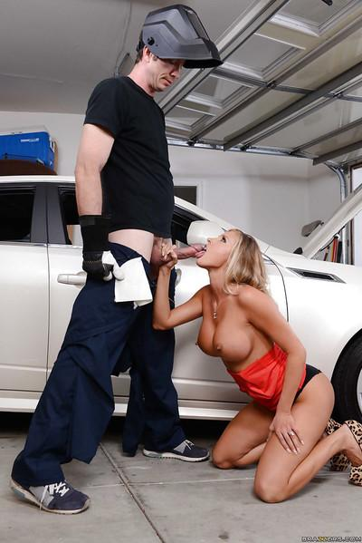 Samantha Saint is sitting on the face of her repair man on the cam