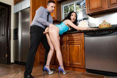 Latina MILF wife Vicki Chase taking hardcore cumshot on face in kitchen