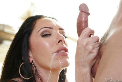 Buxom MILF Bella Maree lets cum drip from mouth after huge cumshot