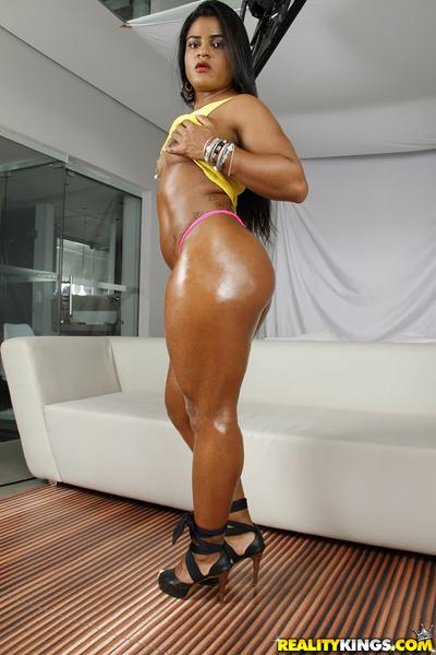 Oiled Latina MILF Ana Julia posing big fat ass in high heels