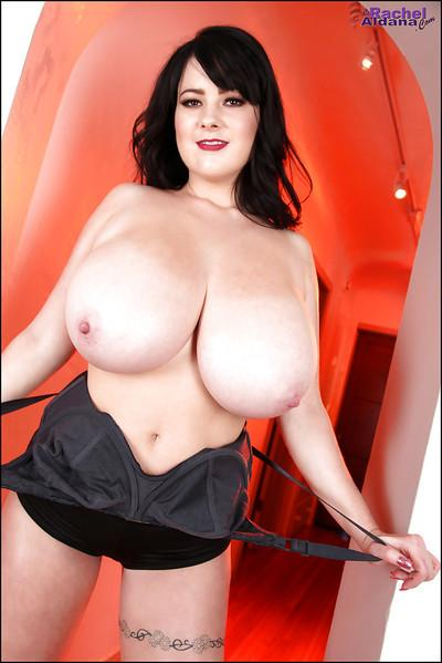 Fatty brunette with big tits Sarah is a very beautiful pornstar