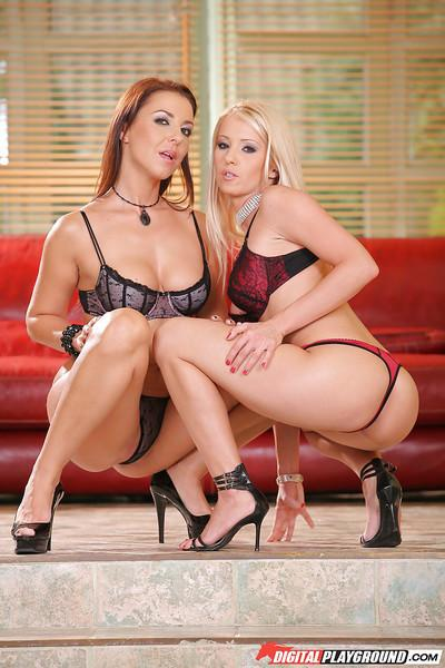 Milfs lesbians Maria Bellucci and Linda Shane are kissing and banging