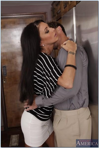Graceful MILF with big tits Jessica Jaymes gives a blowjob and gets porked