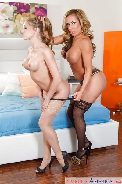 Lesbo MILFs Richelle Ryan and Shawna Leneé have a steamy photo session