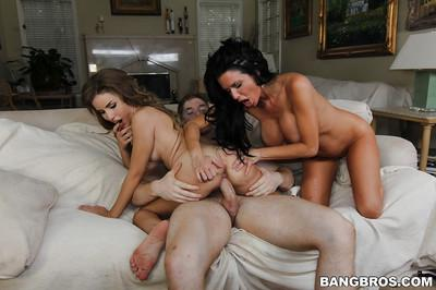 Milfs Veronica Avluv and Natasha White like testing hot sperm