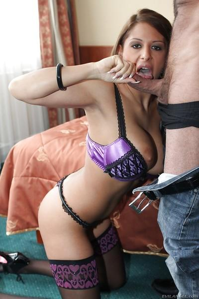 Busty vixen Alison Star gets facialized after hardcore anal drilling