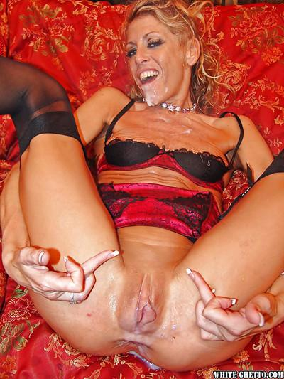 Perverted milf Chelsea Zinn is sucking lots of tasty hard poles