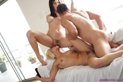 Amazing sluts Anikka Albrite and Holly Michaels have a hot threesome
