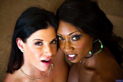 Ebony milf Diamond Jackson and sexy India Summer have threesome