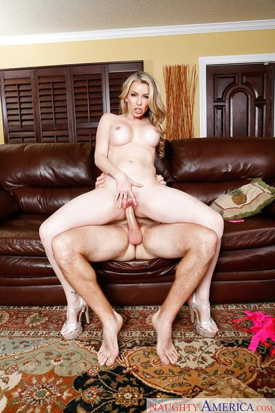 Milf Courtney Cummz is banging with her lover after cleaning house