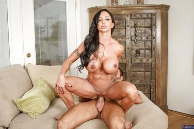 Cougar with great body Jewels Jade is giving a blowjob and swallowing