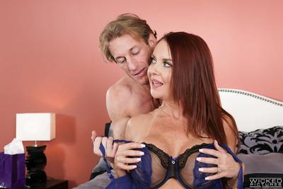 Older MILF pornstar Janet Mason toying pussy and riding dick