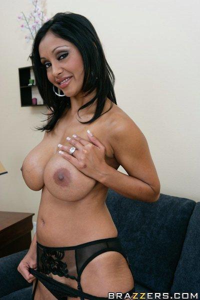 Indian wife Priya Anjeli Rai shows her boobs and fingers her pussy