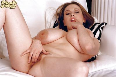 Chubby European amateur Nicole Peters baring large juggs for nipple play