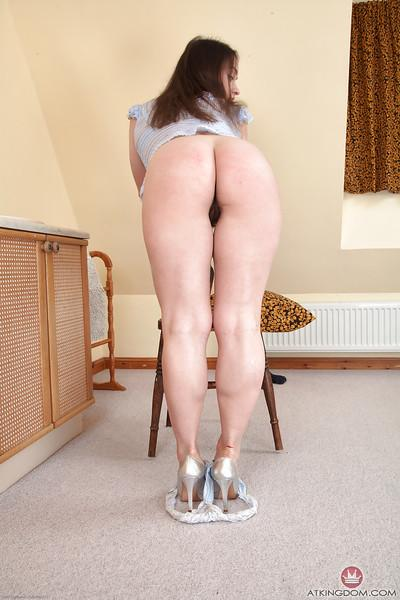 Short Euro wife Olga Cabaeva displaying her hairy pussy at home
