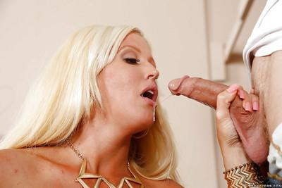 Blonde cougar in stockings Alura Jenson does jaw-dropping blowjob