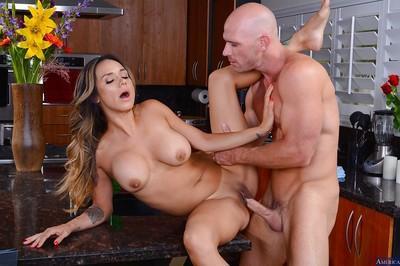 Amateur Latina milf with big tits Nadia Styles enjoys an hardcore ass fuck