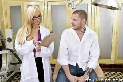Sexy blonde doctor Amy Ried takes off uniform for a pussy licking