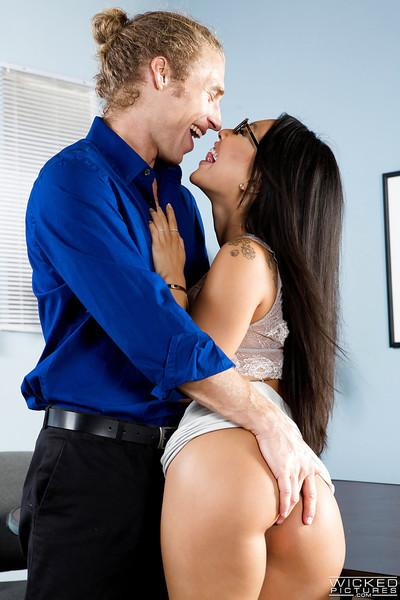 Asian MILF pornstar Asa Akira giving and receiving oral sex in office