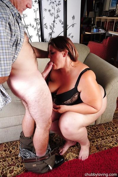 Cock loving chubby MILF Erin enjoying a messy facial cumshot