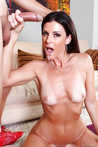 Svelte cougar gets her pussy licked and drilled tough for cum on her tongue