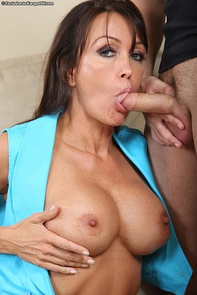 Marvelous cougar Kristina Cross is fascinated by taste of cum