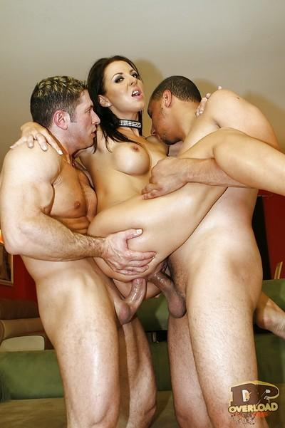 Calm and sensitive milf Maria Bellucci takes part in anal threesome