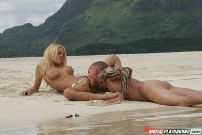Big-tit blonde Jesse Jane is giving a nasty deepthroat blowjob