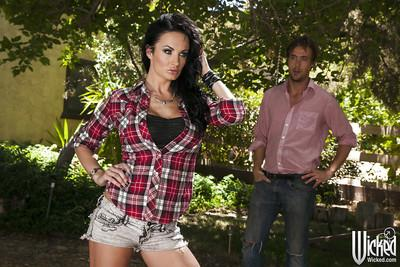 Slutty brunette with big tits Alektra Blue gets screwed outdoor