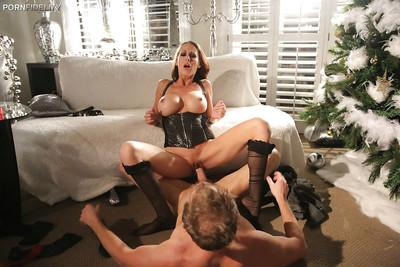 McKenzie Lee is enjoying an fetish hardcore fuck with her boyfriend