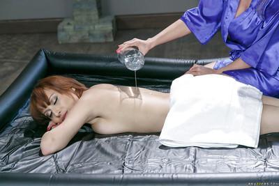 Latina masseuse Ariella Ferrera gives Adessa Winters a lesbian nuru massage