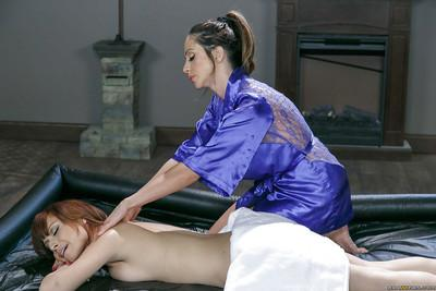 Latina masseuse Ariella Ferrera gives Adessa Winters a lesbian nuru massage