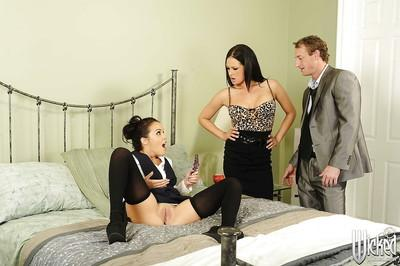 Seductive pornstars Tory Lane & Dillion Harper enjoy FFM groupsex