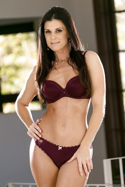 Teasing in high heels comes naturally to naughty milf India Summer