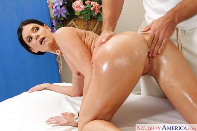 Randy MILF India Summer enjoys an erotic oil massage before a wedding