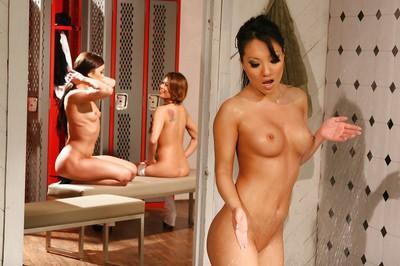 Gorgeous Asa Akira taking shower while other girls watching