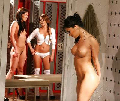 Gorgeous Asa Akira taking shower while other girls watching