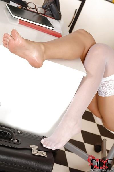 Mesmerizing cutie Eve Angel shows the best foot fetish ever