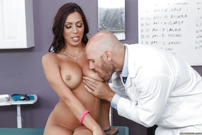 Hot mom Rachel Starr has her big boobs and nipples sucked on
