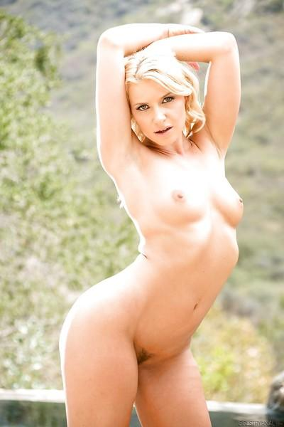 Milf blonde Jada Stevens is demonstrating her amazing naked shape