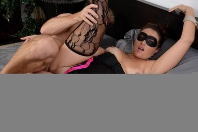 Busty blindfolded MILF Madisin Lee spreading shaved pussy for cum on face