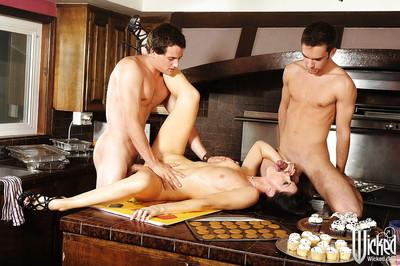 Seductive MILF India Summer is into groupsex with two lucky guys