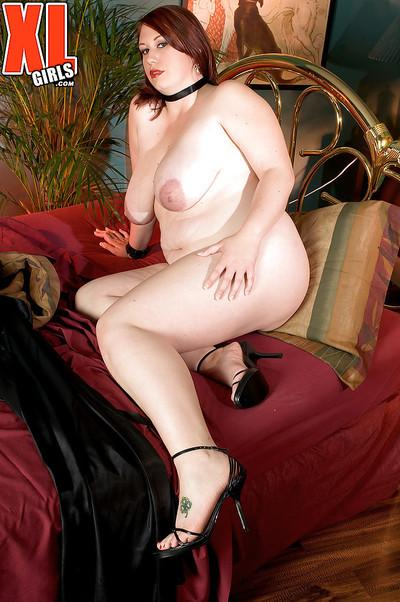 BBW Risque Waters unveils large MILF boobs and ass before toying pussy