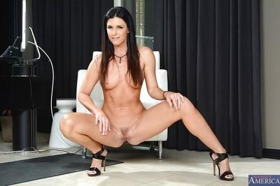 Stunning big ass mature milf babe India is so sexy in lingerie