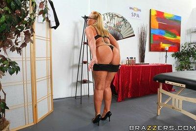 Sexy MILF with big fat butt Flower Tucci gets screwed by a horny masseur