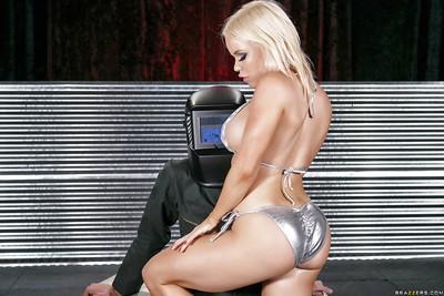 Blonde hottie Nikki Delano taking large cock and cumshot in mouth