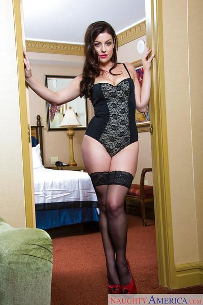 Tasty MILF amateur Sovereign Syre poses in hot lingerie and red heels