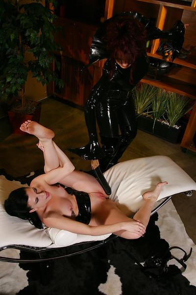 Tempting MILFs Aradia & Ariel X are into femdom lesbian action