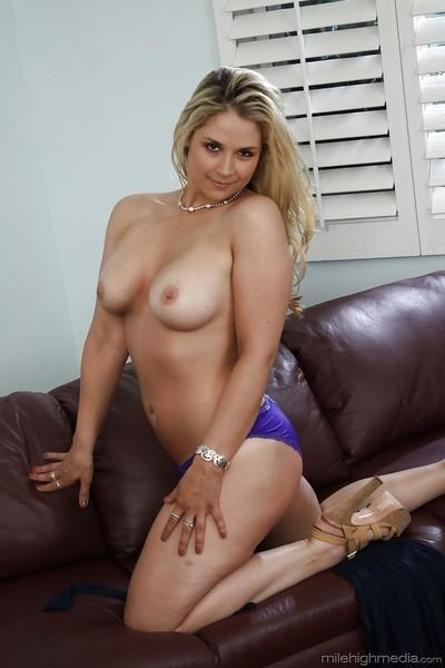 Buxom blonde mummy Sarah Vandella releasing massive knockers